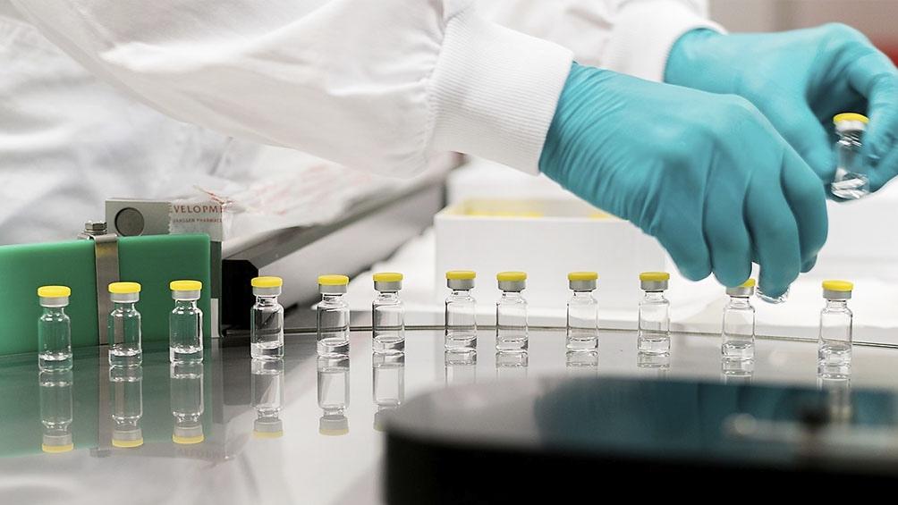 Las autoridades sanitarias de Estados Unidos recomendaron suspender el uso de la vacuna de Johnson & Johnson.