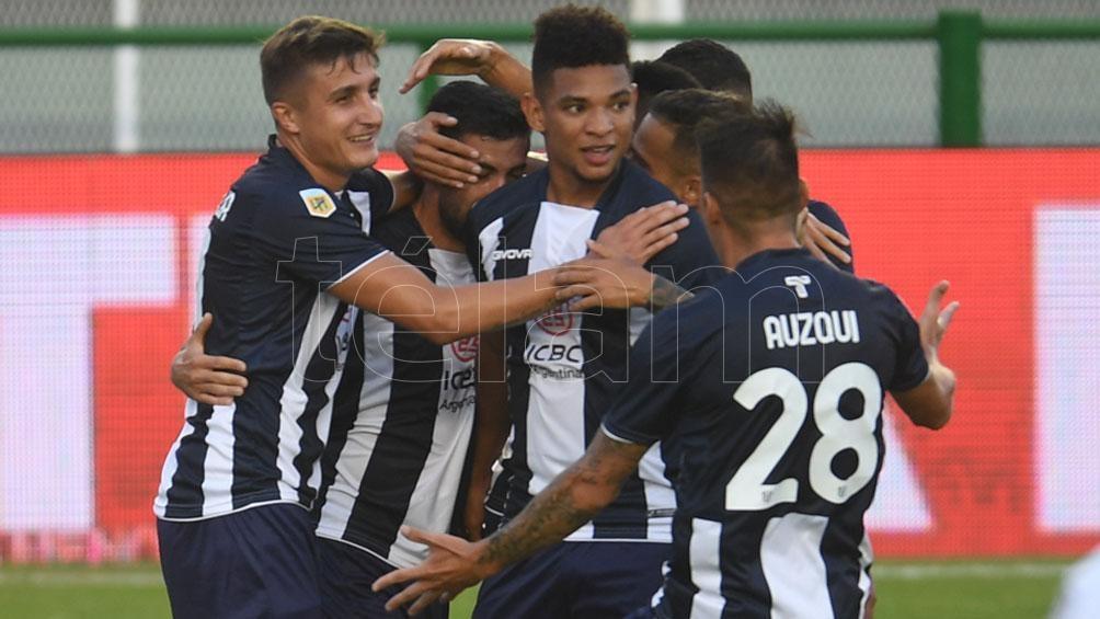 Por penales, talleres eliminó a Vélez en una gran noche de Marcos Díaz