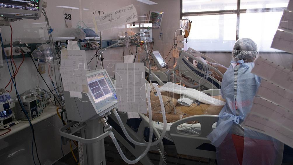 """Los profesionales de la salud solicitaron a la población que los """"ayuden"""" utilizando todos los protocolos."""