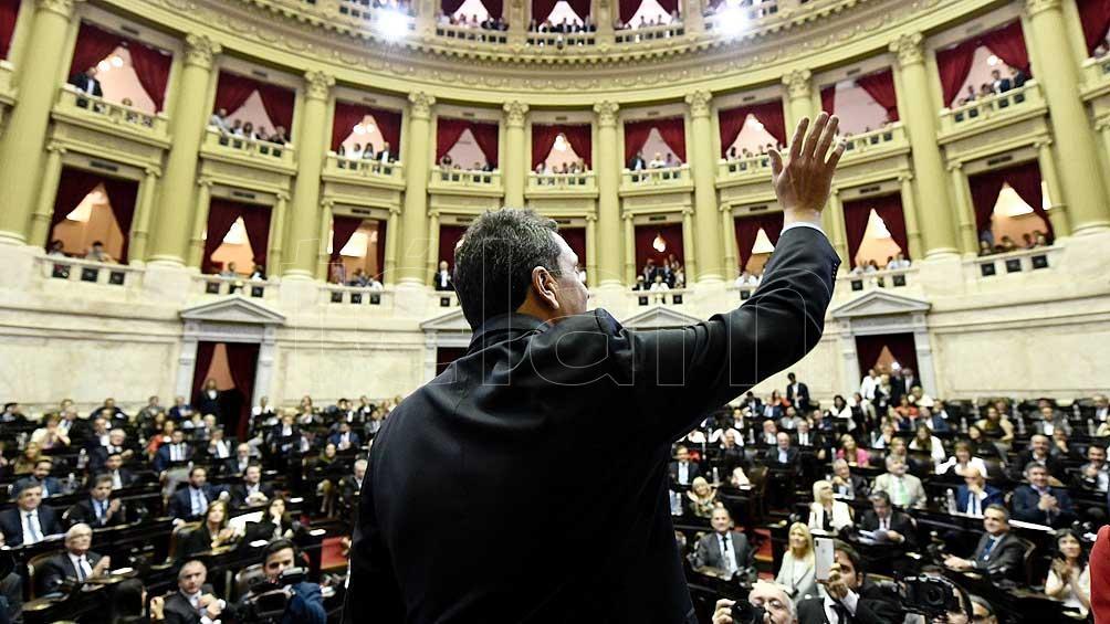 La iniciativa fue aprobada por 140 votos a favor, 104 en contra y una abstención.