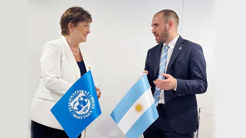 Mejoró la perspectiva de crecimiento económico de la Argentina en 2021, del 5,8% estimado en abril de este año al 6,4% actual.