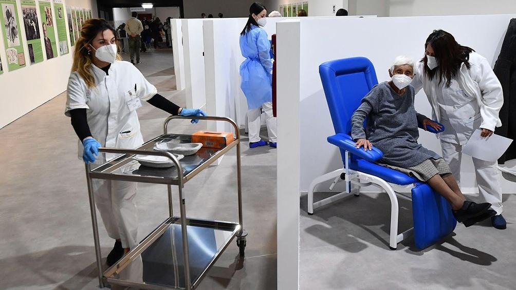 Más de 25 de los 47 millones de habitantes en España están inmunizados.
