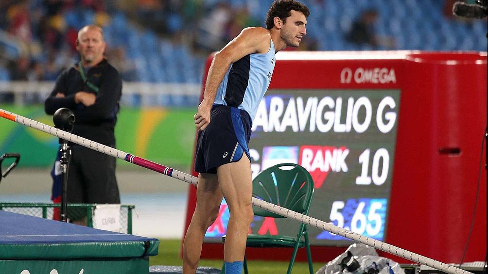 Germán Chiaraviglio (salto con garrocha), uno de los cinco representantes argentinos del atletismo.