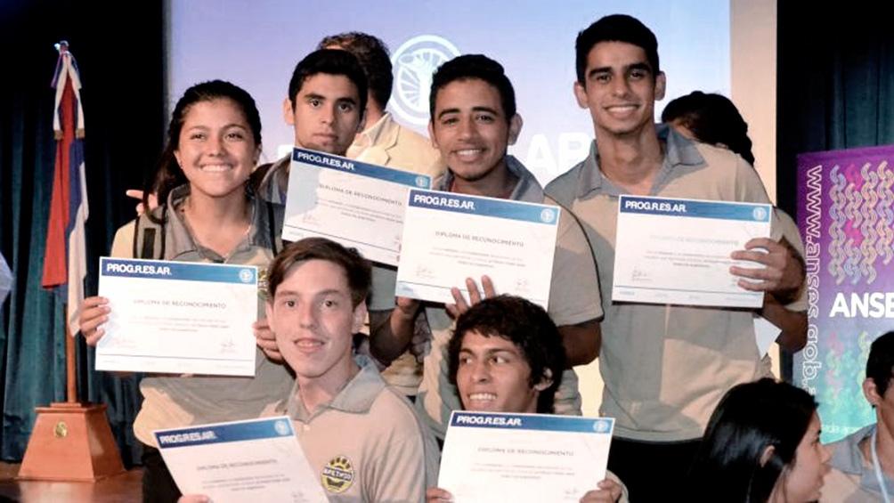 El Ministerio de Educación reabrió la inscripción hasta el 31 de agosto para las becas Progresar.