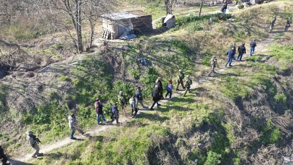 Terreno ocupado por la banda narco, cuyos miembros utilizaban una tirolesa para cruzar los estupefacientes por sobre el río Matanza.
