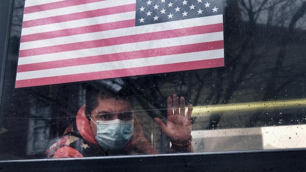 El doctor Anthony Fauci, jefe de los asesores médicos del presidente Joe Biden, dijo que no espera otros confinamientos en Estados Unidos, pero advirtió que la situación seguirá empeorando porque muchos habitantes no se vacunan.